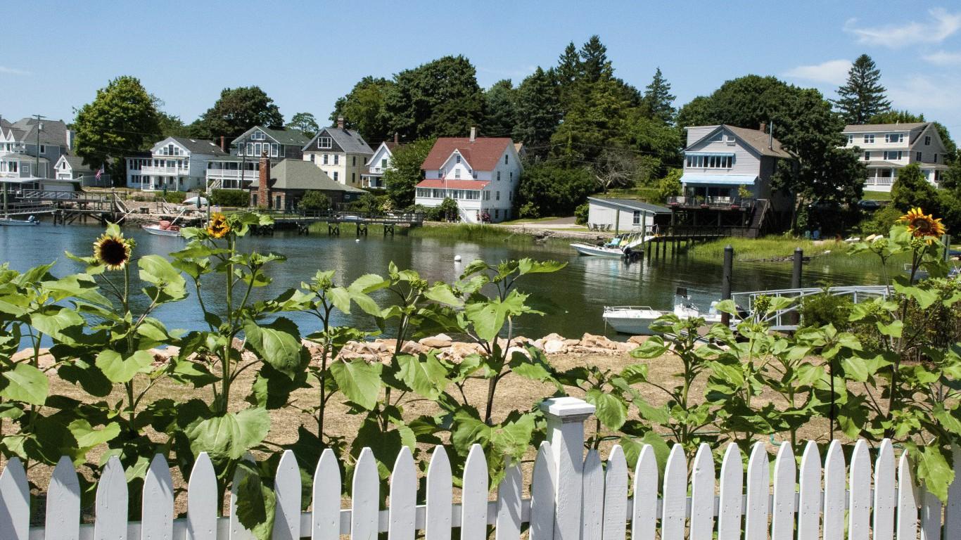Suburbs, Connecticut