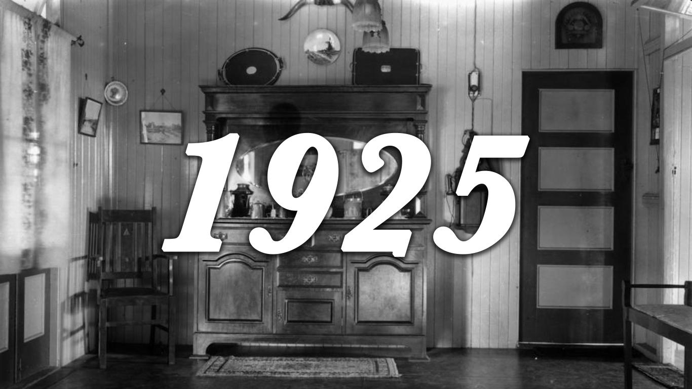 1925 inside house