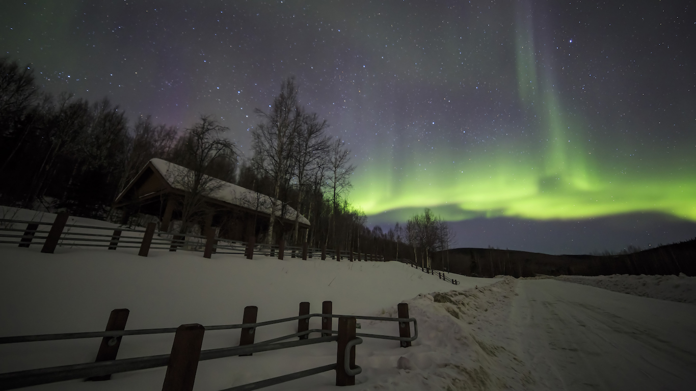 House, cabin, Aurora, night sky at alaska, fairbanks