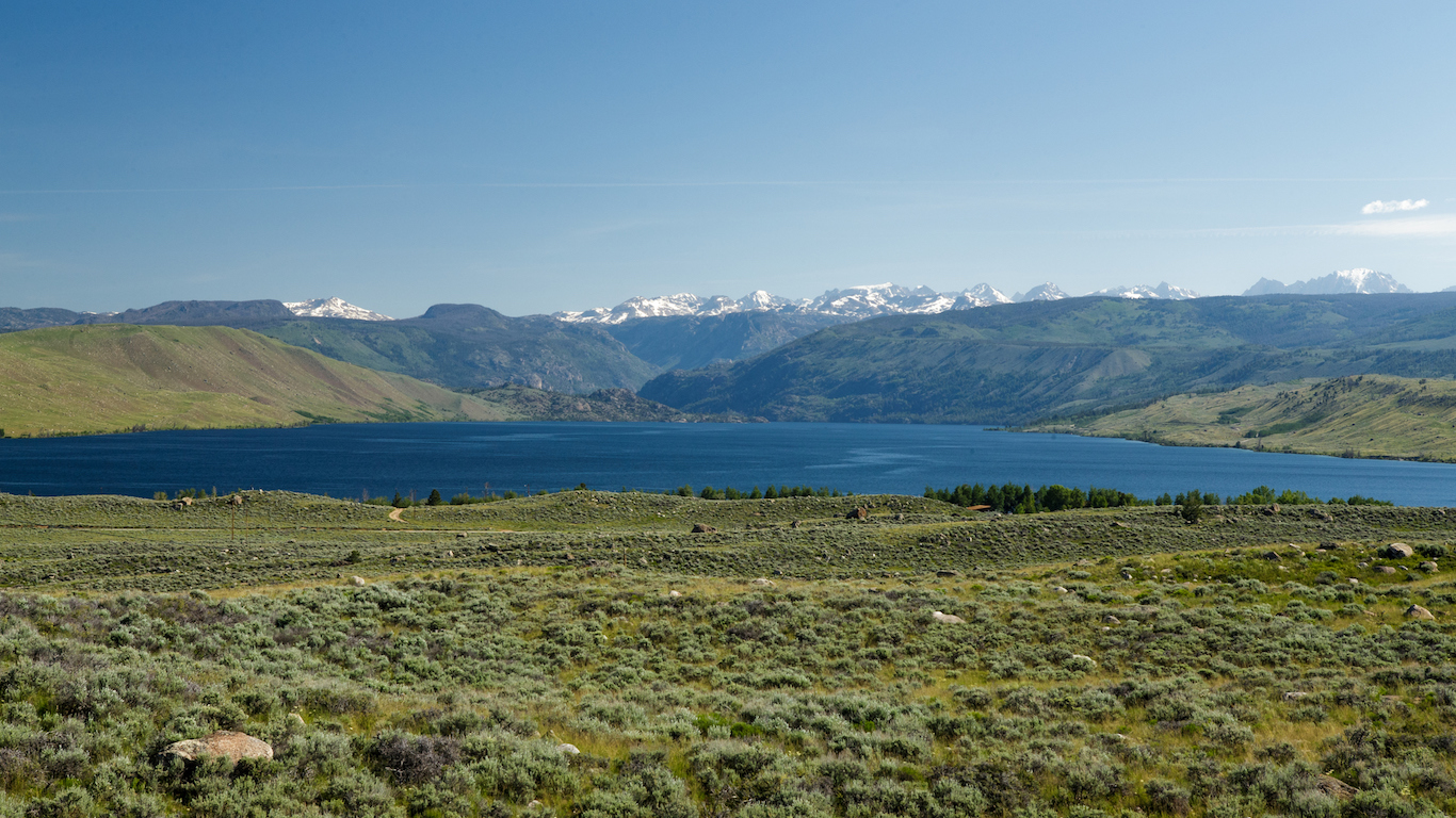 Fremont Lake, Sublette County, Wyoming with Wind River Mountains