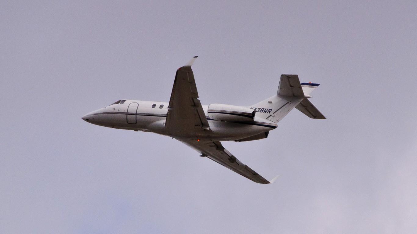 Hawker 850XP - N438WR by InSapphoWeTrust