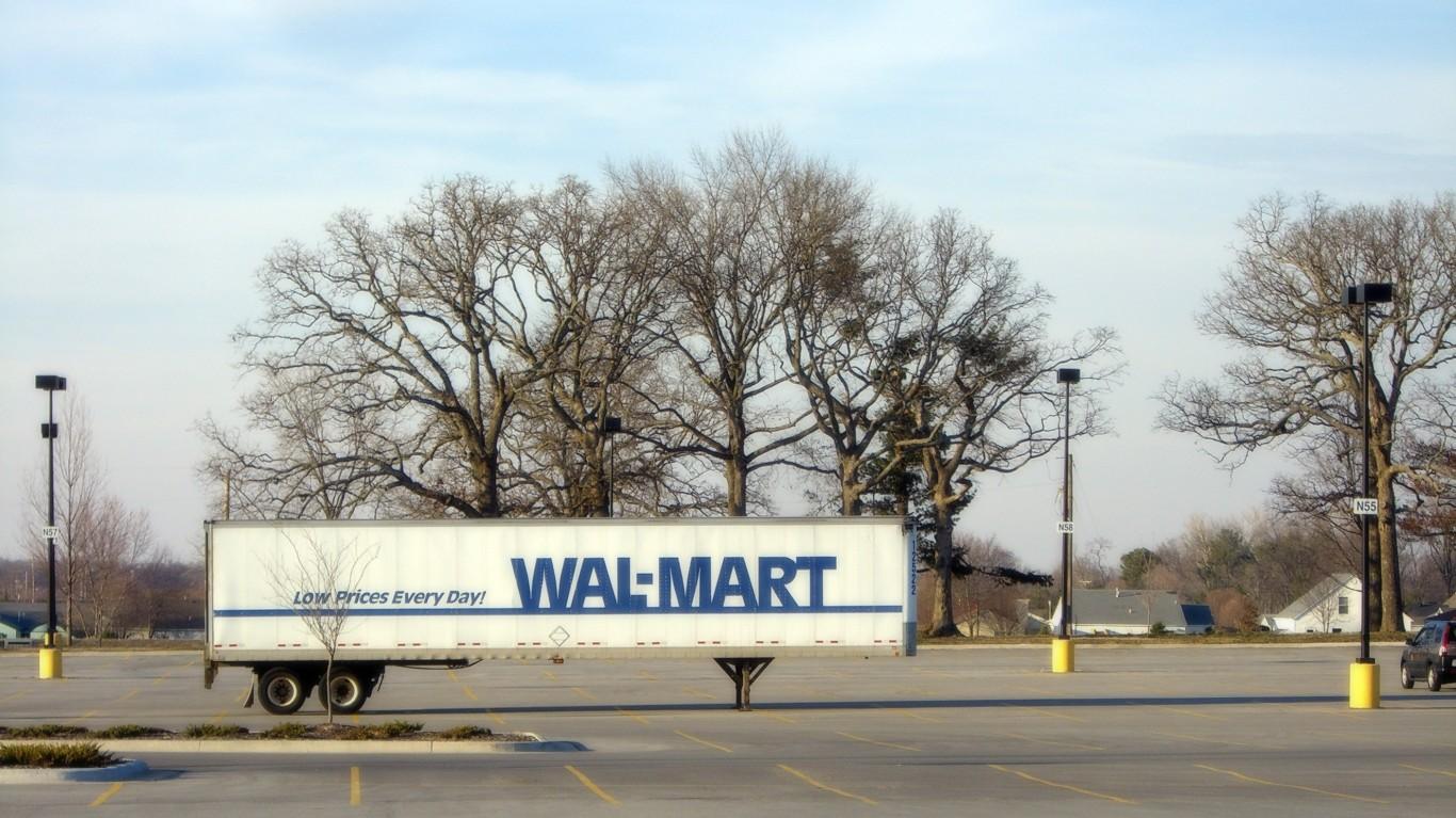 Wal-Mart Truck by Alejandro Forero Cuervo