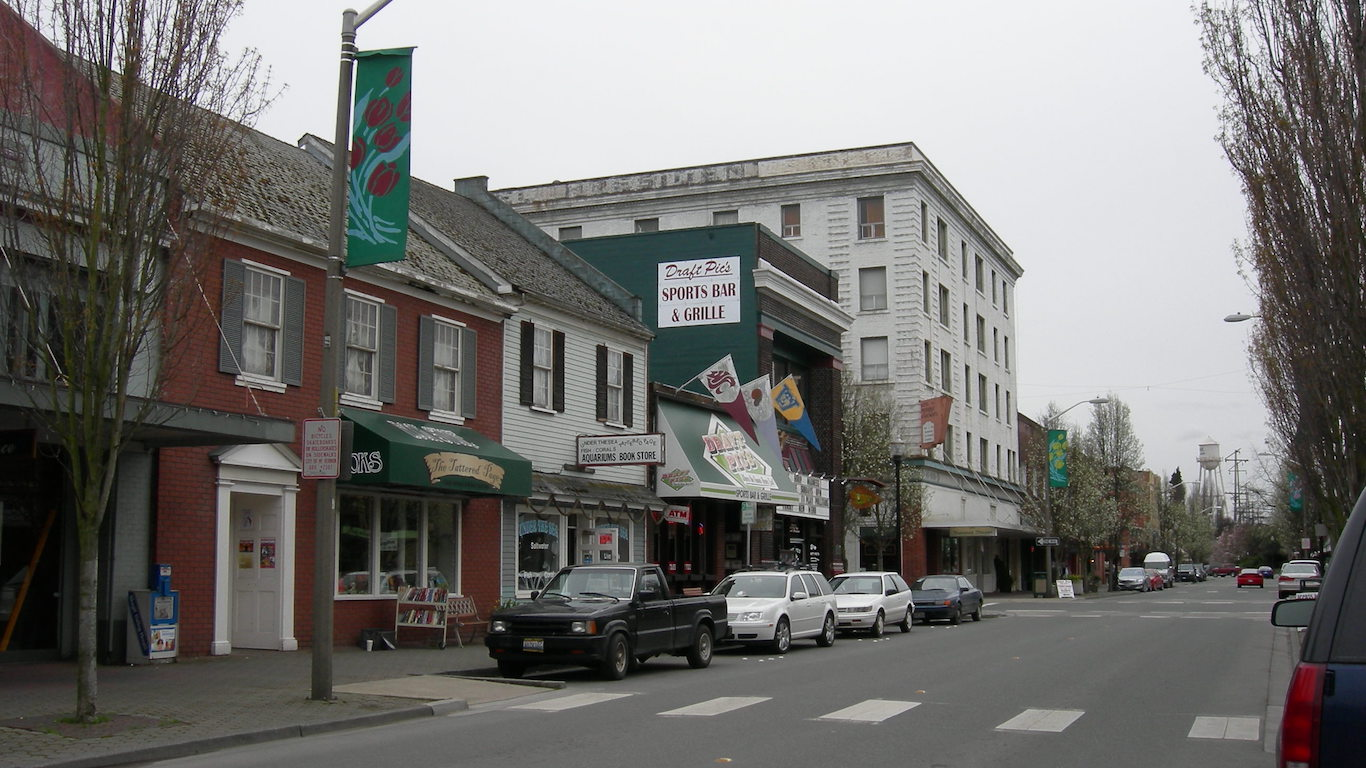 South First Street, Mount Vernon, Washington by Jmabel