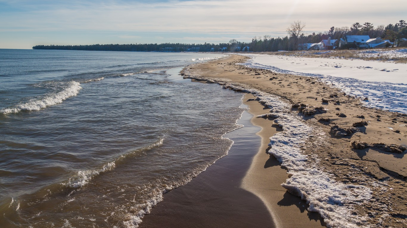 Whitefish Bay, Wisconsin by Tony Webster