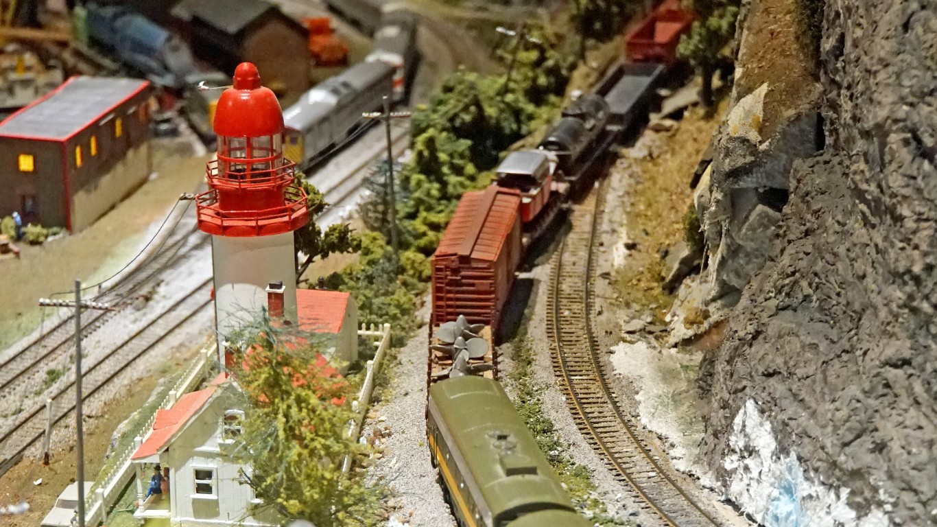 DSC00623 - Model Train (Leavin... by Dennis Jarvis