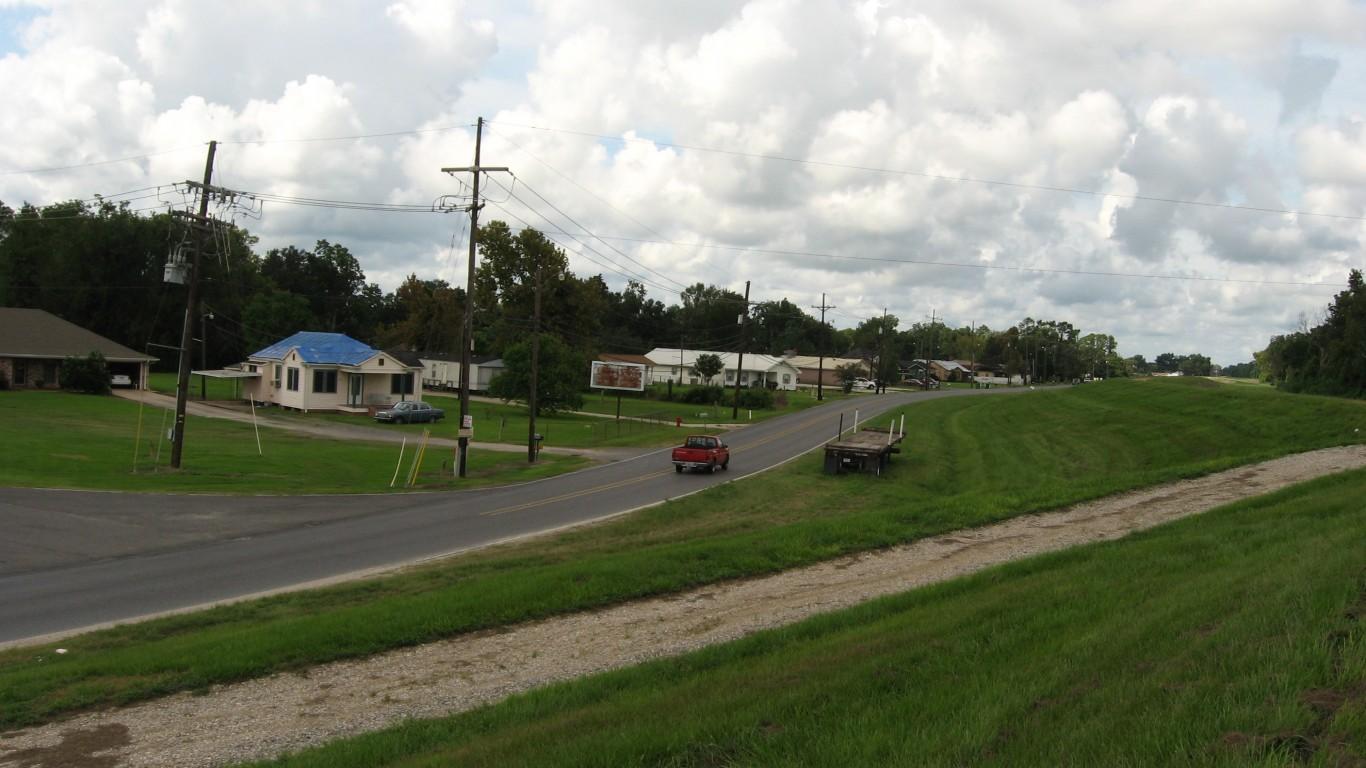Wallace, Louisiana by Ken Lund