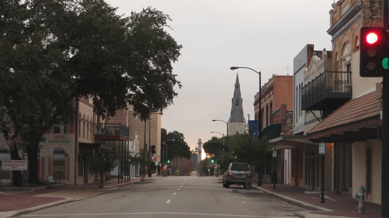 Victoria, Texas by Ken Lund