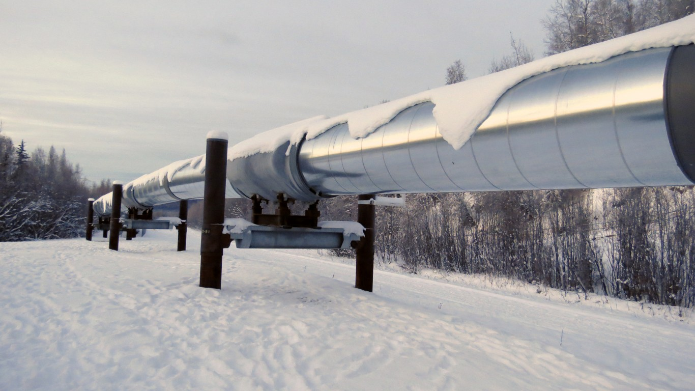 Alaska Oil Pipeline by Malcolm Manners