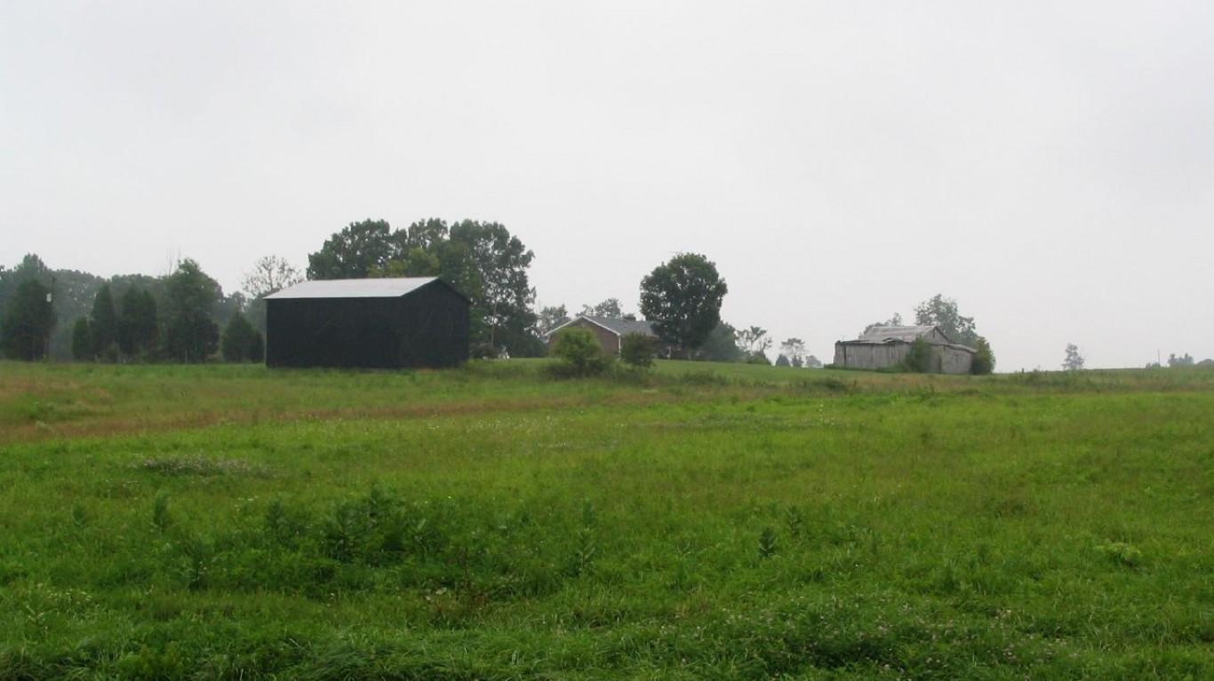 Rural Kentucky Near Mammoth Ca... by Ken Lund