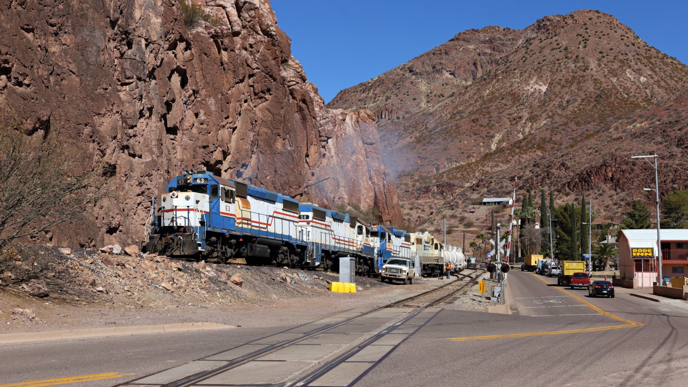 FMI 63, Clifton, Arizona by Jerry Huddleston