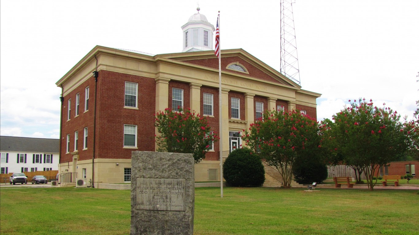 Jones County Courthouse by Gerry Dincher