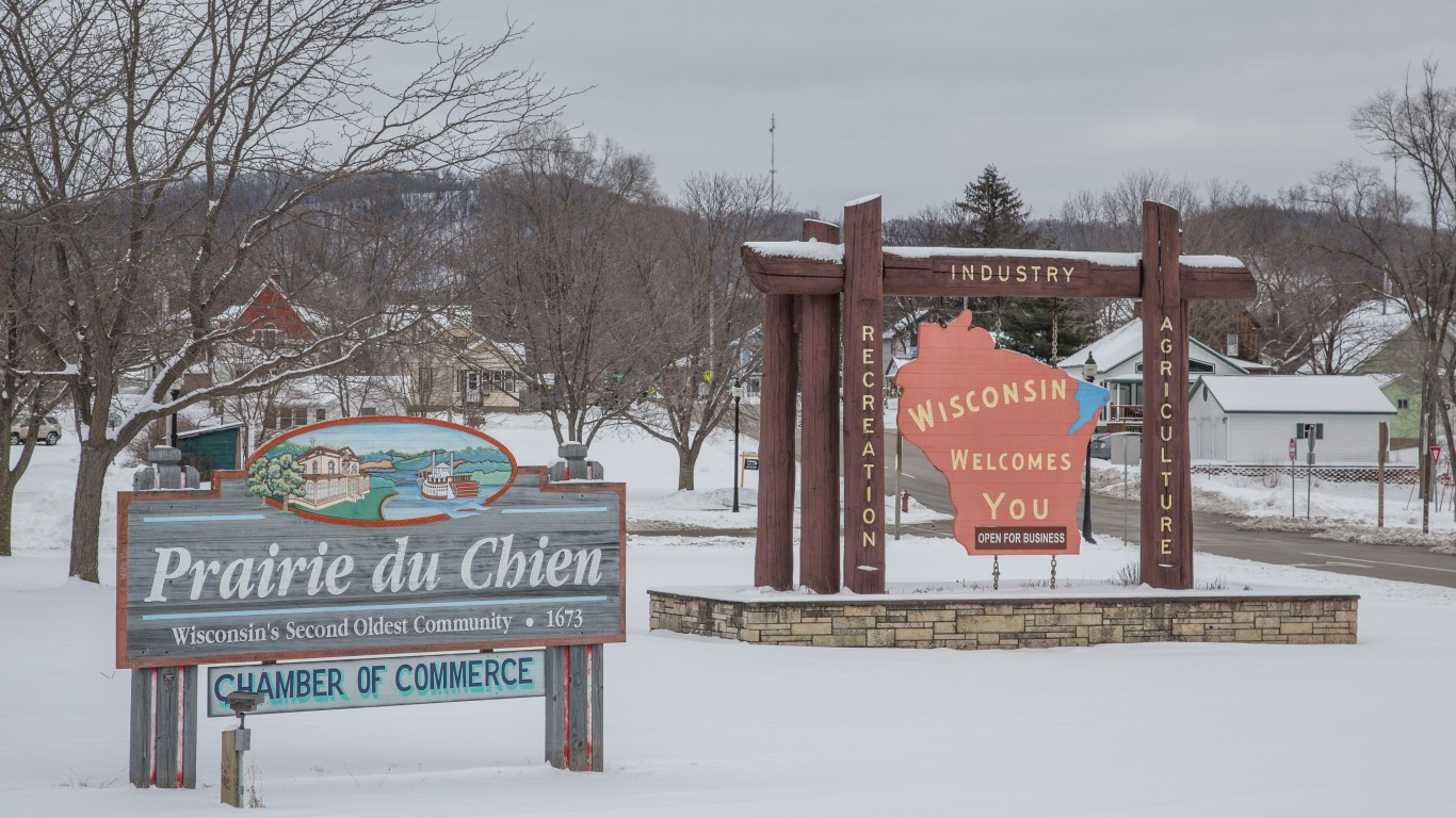 Welcome Signs - Prairie du Chi... by Tony Webster