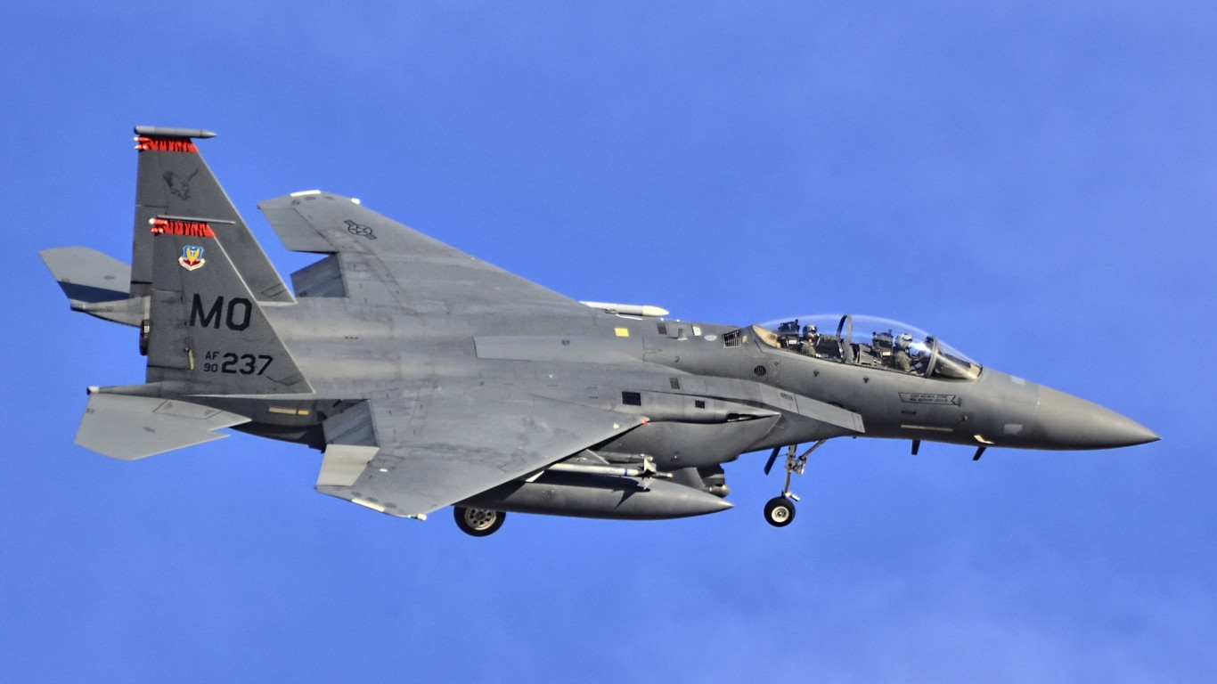 Red Flag, Nellis AFB, NV - F-1... by Tomás Del Coro