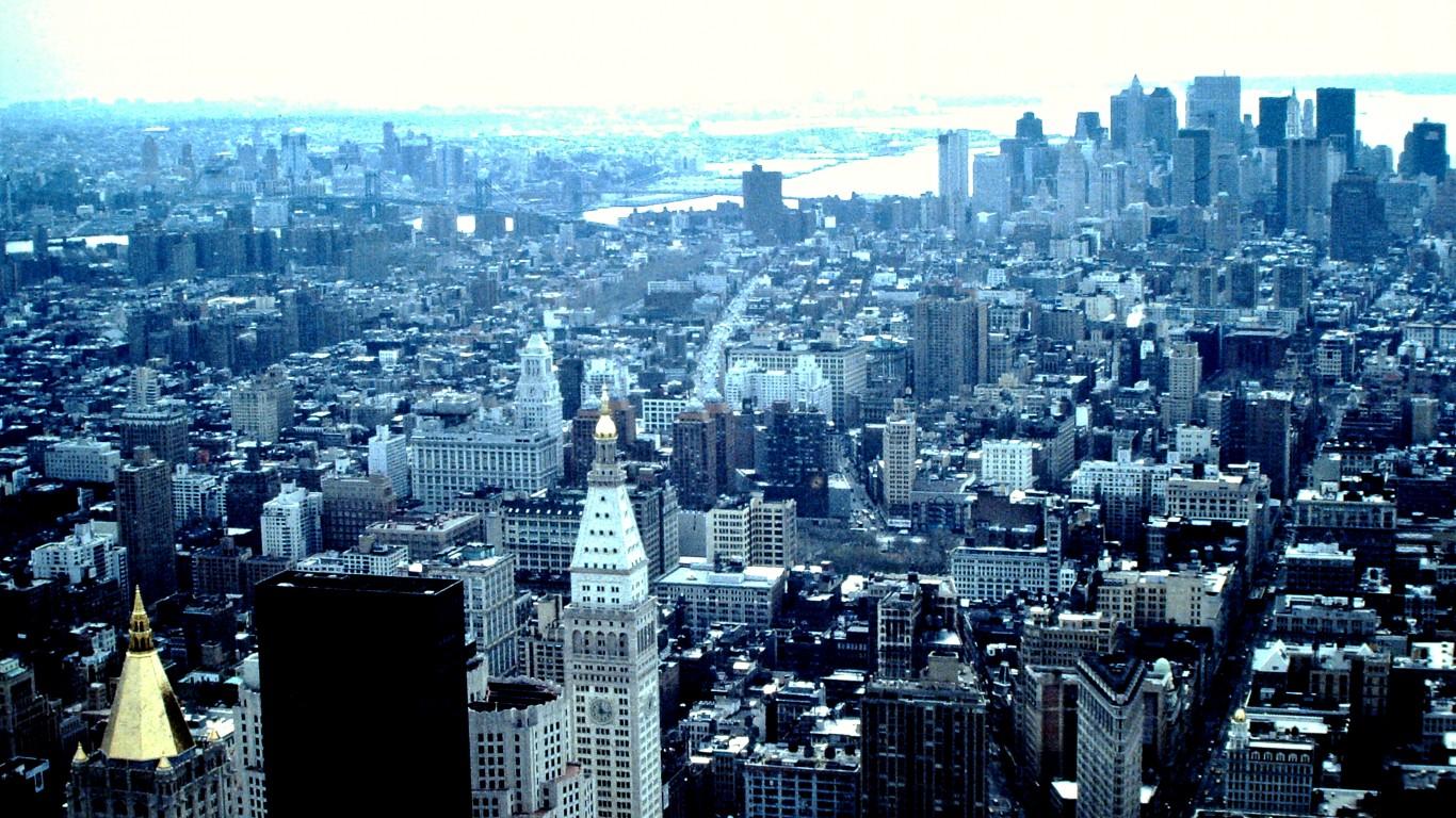 Manhattan by Hugh Llewelyn